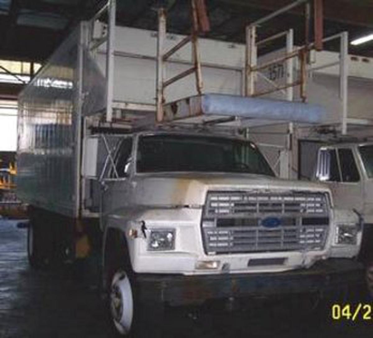 1999 Ford F-700