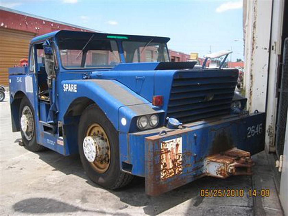 Aeroservicios USA Inventory - Push Back Tractors - Hough T-300