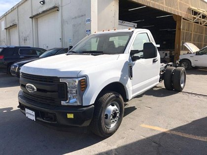 Ford-F-350 XL Super Duty