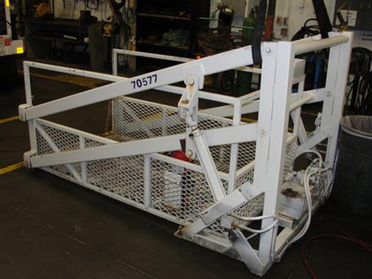1989 Equi-Tech ML-100 Maintenance Scissor Lift w Tommy Gate