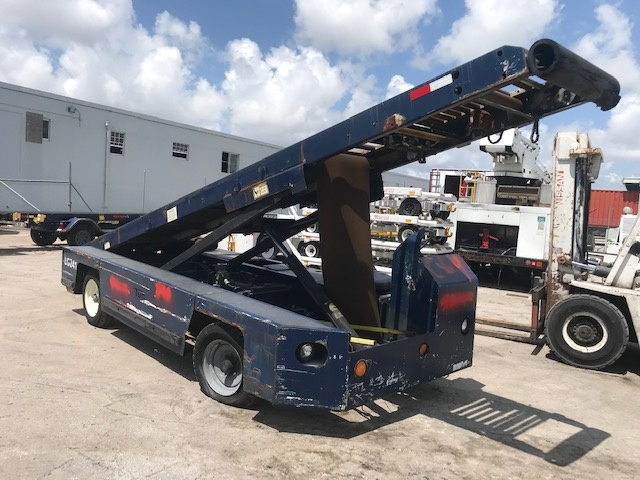 Belt Loader Tug 660