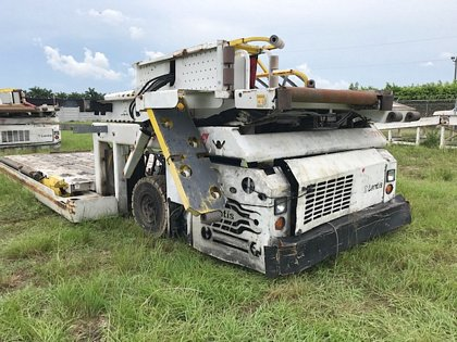 2000 Cargo Loader TLD- 828 Wide