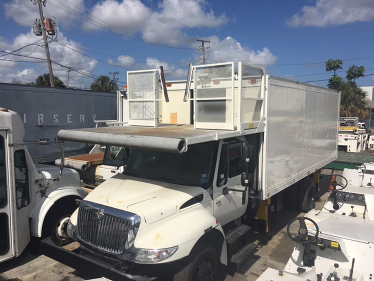 2002 Catering Truck International 4300